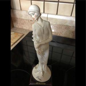 Vintage Giuseppe Armani Figurine